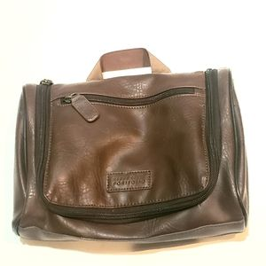 Perry Ellis Men's Hanging Travel Brown Bag